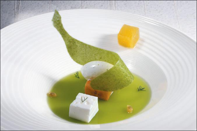 Je ne vais pas vous demander le mode de cuisson de ce plat, mais quelle est cette mode gastronomique apparue dans les années 2000, à la rencontre de l'art culinaire et de la science ?
