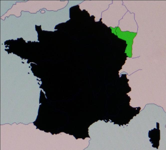 En 1918, la France récupère les territoires perdus en 1871. L'armistice conclu le 11 novembre met fin à