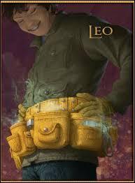 Grâce à quoi Léo est-il vivant ?