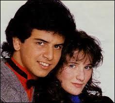"""Avec quel chanteur Elsa partage-t-elle le duo """"Un roman d'amitié"""" en 1988 ?"""
