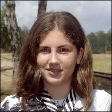 """Quelle chanteuse âgée de 12 ans débarque en 2005 avec son tube """"Un monde parfait"""" ?"""