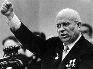 Quel dictateur critiqua la culte de Staline après sa mort ?