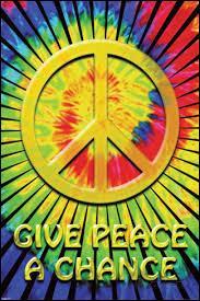 Ils se sont mariés pendant la guerre du Viêt Nam, ils ont enregistré la chanson « Give Peace a Chance », voici :
