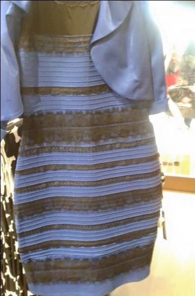 De quelles couleurs cette robe est-elle ?