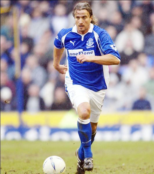 David Ginola a commencé sa carrière avec le club :