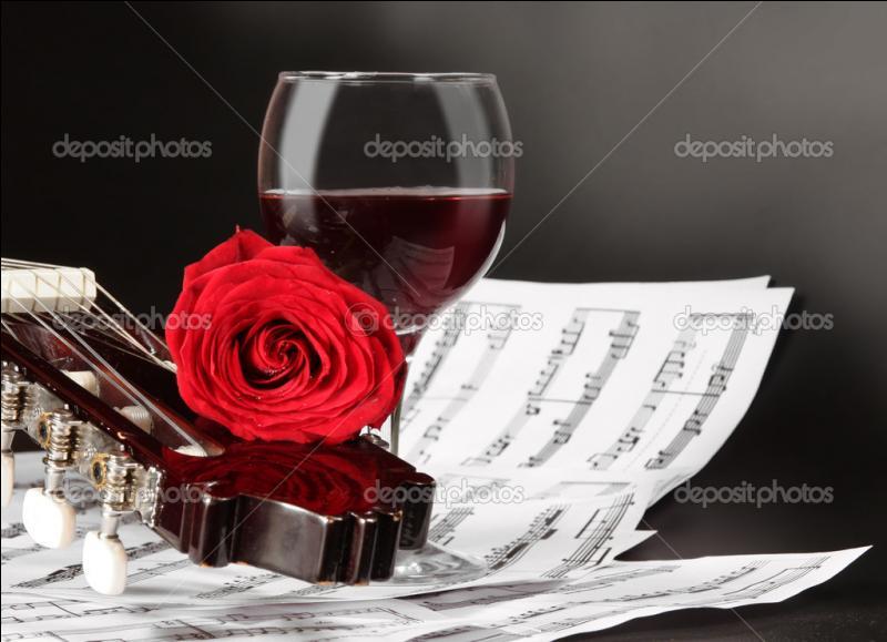 """Qui a chanté et composé les paroles """"J'habite seul avec Maman dans un très vieil appartement rue Sarasate"""" ?"""