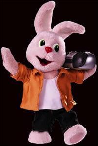 Pour quelle firme est engagé ce lapin ?