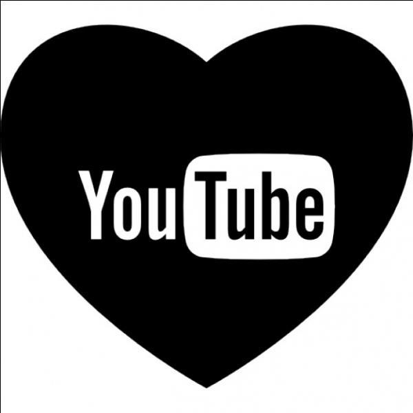 Quel âge avait-elle lorsqu'elle a commencé Youtube ?
