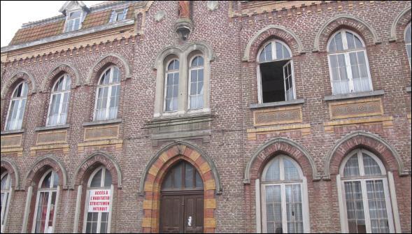 Remontons vers le Nord, la commune qui forme mon douzième est à proximité de Douai, à 25 km de Lille.