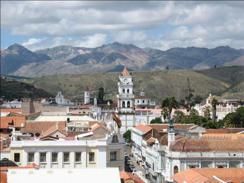 Je porte le nom de la capitale de la Bolivie :