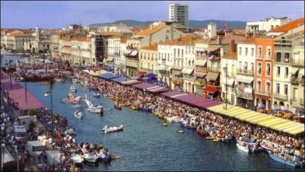 J'ai le nom d'une ville de l'Hérault où naquit Brassens, connue pour sa rouille et pour ses tielles :