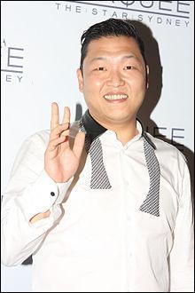 """Revenons maintenant à """"Gangnam Style"""". En plus d'être la vidéo la plus vue de YouTube, elle est aussi la vidéo la plus aimée, avec au total ___ millions de """"pouces bleus""""."""