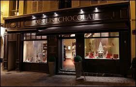 En quelle année la première boutique de chocolat à Londres fut-elle ouverte ?