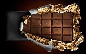 Qui crée, en France en 1836, le concept de la tablette de chocolat ?