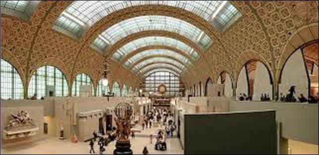 À la fin des années 1970, le président de la République, Valéry Giscard d'Estaing souhaite faire de ce lieu un musée des arts du XIXe siècle, partant de l'année 1848 et s'étalant jusqu'en 1914. Un concours est alors organisé. Ce dernier est remporté par l'agence ATC. Inauguré en décembre 1986, combien d'œuvres (peintures, sculptures, arts décoratifs, etc.), renferme ce bâtiment ?
