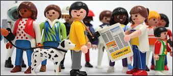 Quelle célèbre marque de jouets a pour slogan  En avant les histoires  ?