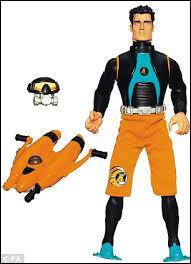 Comment s'appelle cette figurine articulée qui est un jouet pour garçon ?