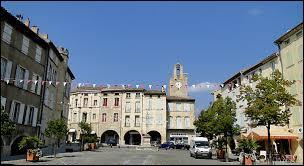 Nous flânons à Bagnols-sur-Cèze. Nous y découvrirons son église Saint-Jean-Baptiste, de style roman. Ville Gardoise, aux portes de la Provence, elle se situe en région ...