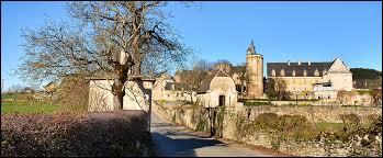 Nous nous rendons maintenant à Bournazel. Nous y découvrirons son château au stylé Renaissance, inscrit aux Monuments Historiques. Commune de l'arrondissement de Rodez, elle se situe en région ...