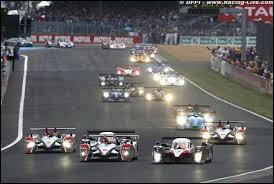 """Lors de la course automobile des """"24 heures du Mans"""", combien de pilotes se relaient au volant de leur voiture ?"""