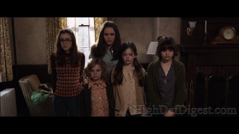 Quel esprit qui rôdait dans la maison était adoré des deux filles Cindy et Avril ?