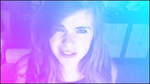 """Qui suis-je ? Je m'appelle Nadia Richard et j'ai composé la vidéo """"J'suis jalouse"""" !"""