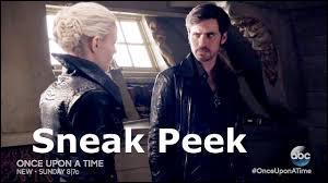 À Storybrooke, pourquoi Emma demande-t-elle à Hook de la retrouver sur son bateau ?