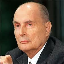 En quelle année François Mitterrand, président de 1981 à 1995, a-t-il cassé sa pipe ?