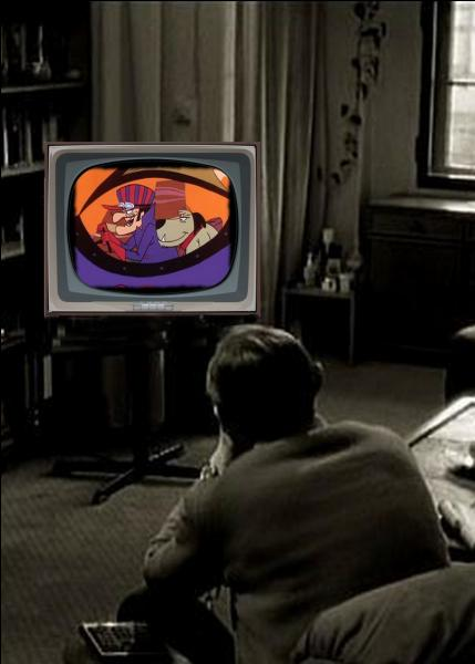 Que regarde cet homme à la télévision ?