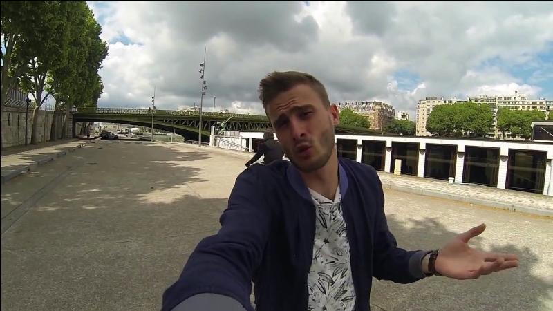 Qui est ce youtubeur français ?