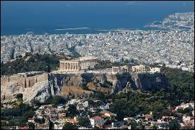 Un beau pays, célèbre pour ses monuments très anciens, la Grèce ! Mais quelle est sa capitale ?