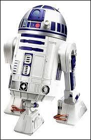 Comment s'appelle le petit robot qui accompagne C-3PO ?