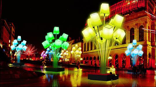 """""""La capitale des Gaules"""" vous invite à sortir de l'ombre lors de sa célèbre """"Fête des Lumières"""" qui débute le 8 décembre et s'étend sur quatre jours. Allez vite à..."""