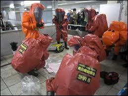 Comment se nomme la secte ayant perpétré l'attentat au gaz sarin, dans le métro de Tokyo en mars 1995 ?