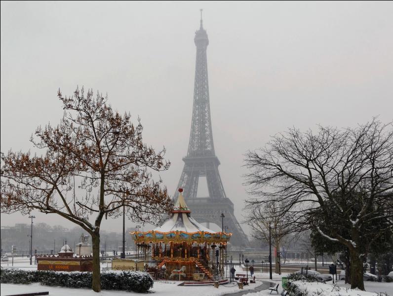"""Qui chantait """"ça balance pas mal à Paris"""" ?"""