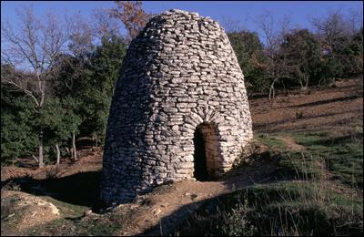 Construction en pierres sèches dans le Midi :