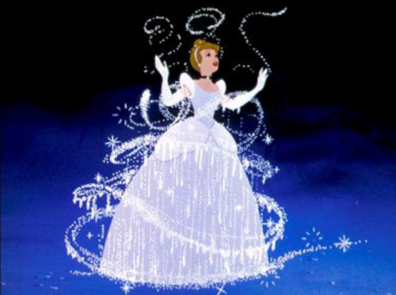 Elle a perdu une de ses pantoufles de vair. C'est d'ailleurs ainsi que le prince la retrouve.Comment se nomme ce dessin animé ?