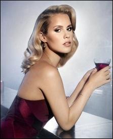 A-t-elle fait une apparition dans la série « Pretty Little Liars » en saisons 1 et 2 sous les traits de Samara Cook ?