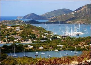 """""""Antigua-et-Barbuda"""", État des Antilles, est situé au sud de la Martinique."""