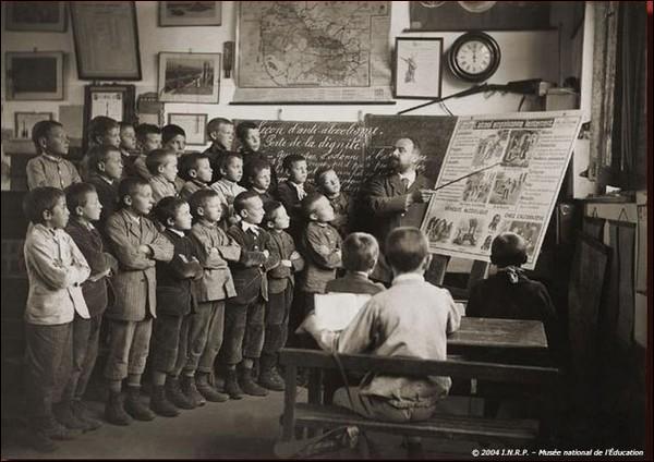 Quel homme politique a révolutionné l'enseignement en France en rendant l'école gratuite, obligatoire et laïque ?