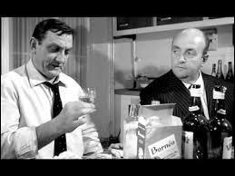 (J. Lefebvre) : Vous avez raison, il est curieux ! (L. Ventura) : J'ai connu une Polonaise ---------------------------------------- ! Faut quand même admettre, c'est plutôt une boisson d'homme.