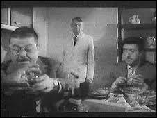(B. Blier) : Ah ! Nous v'là sauvés ! (F. Blanche) : Sauvés... faut voir ! (R. Dalban) : -------------------------------- ! ?
