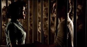Il la rencontra alors qu'il était emprisonné par l'association Augustine. Il l'hypnotisa pour qu'elle parte. Ils sont...
