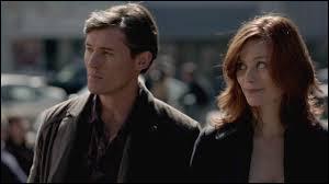 Cette dernière fût aux anges quand elle apprit que son amour de toujours était libéré du cercueil où son frère Klaus l'avait emprisonné. Qui sont-ils ?