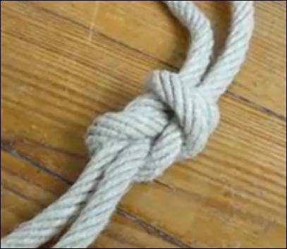 Ce nœud de marin sert à rabouter deux cordes ensemble en renforçant leur résistance à la traction : comment le nomme-t-on ?