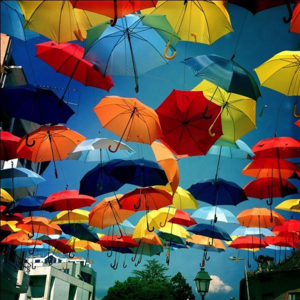 Dans quel pays semble avoir été inventé le parapluie ?