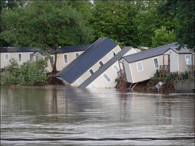 Quand ont eu lieu les grandes inondations du Var ?