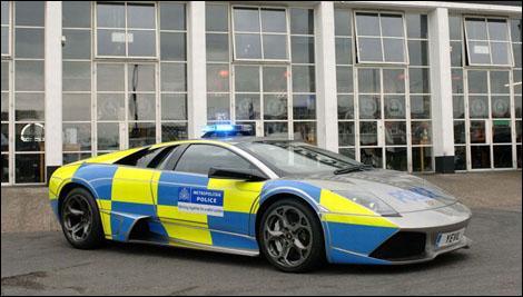 Quelle police ne possède pas de Lamborghini ?