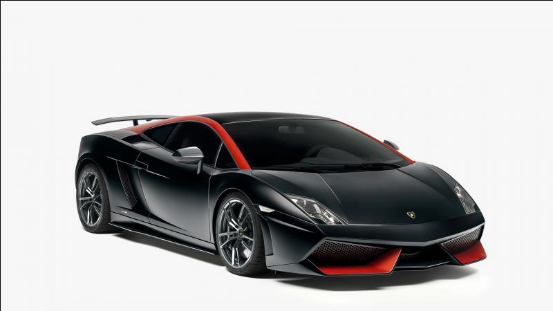 Comment s'appelle la remplaçante de la Lamborghini Gallardo ?