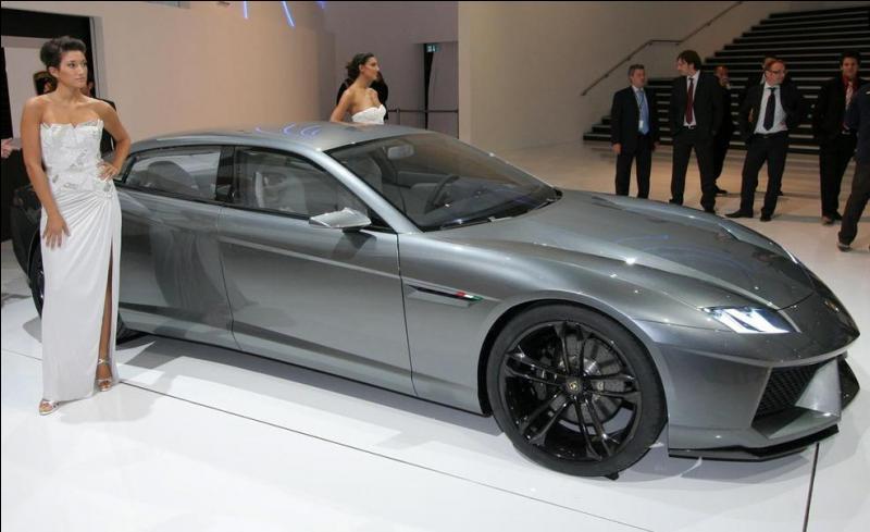 Quel est le nom du concept de la limousine Lamborghini ?